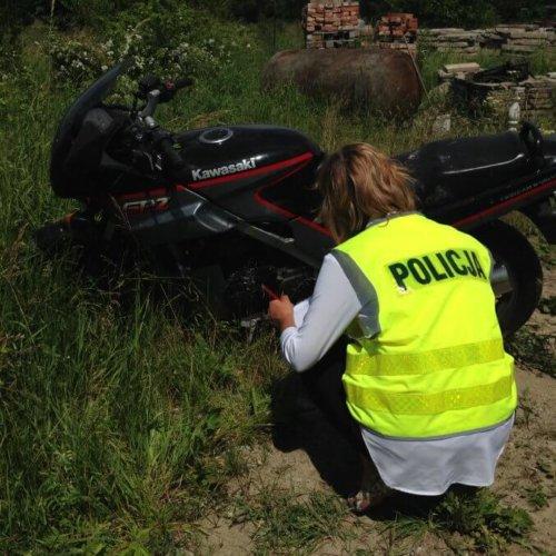 POLICJANCI ZATRZYMALI SPRAWCÓW KRADZIEŻY MOTOCYKLA