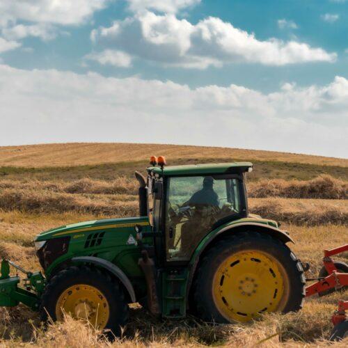 Jak uzyskać dofinansowanie na zakup maszyn rolniczych